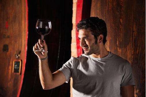 女人,嫁给懂红酒的男人,你活该幸福一辈子