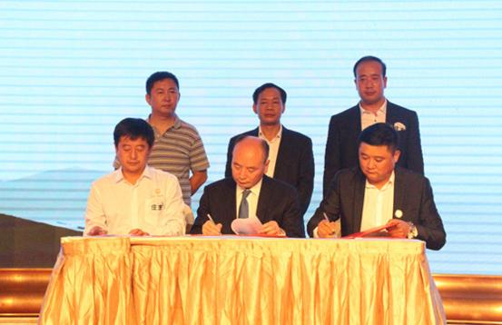 贺兰山东麓产区签约重庆市酒类流通商会 开拓西南市场