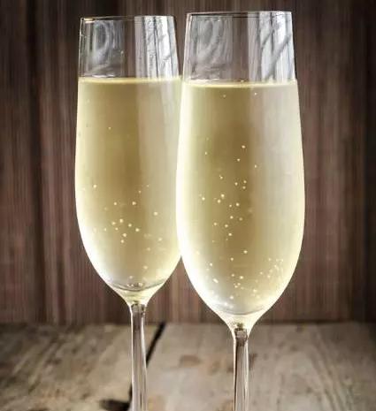 张祎:冬季,是属于香槟与黑松露的季节