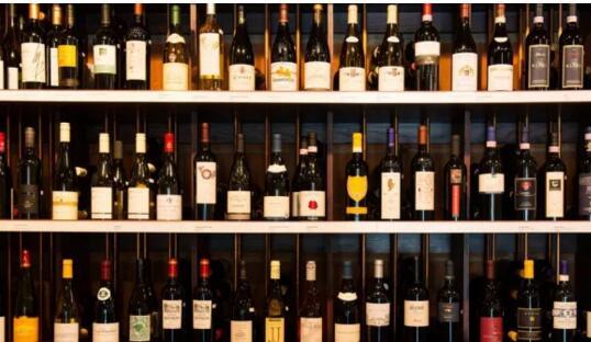 葡萄酒不贴中文标出售,这是锅谁背?钱入了谁的袋?