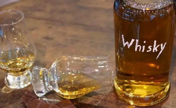 优质的威士忌,都藏在木头里!