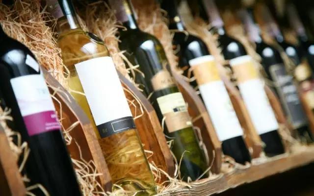 【Interwine酒展】你现在喝的正宗进口葡萄酒,很可能是他引进的!