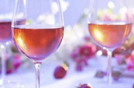 桃红葡萄酒搭配什么食物?