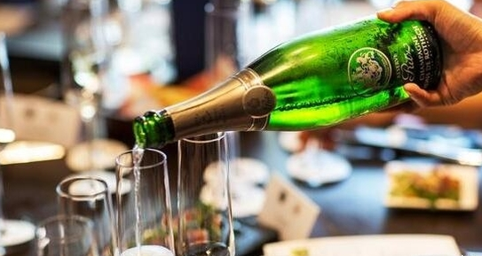 法国香槟品牌罗斯柴尔德发售定制版香槟