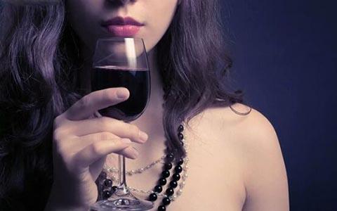 让女人越喝越漂亮的张裕红红葡萄酒