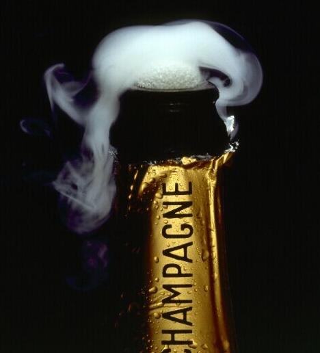 今年前三季度,全球香槟出货量高达1.88亿瓶