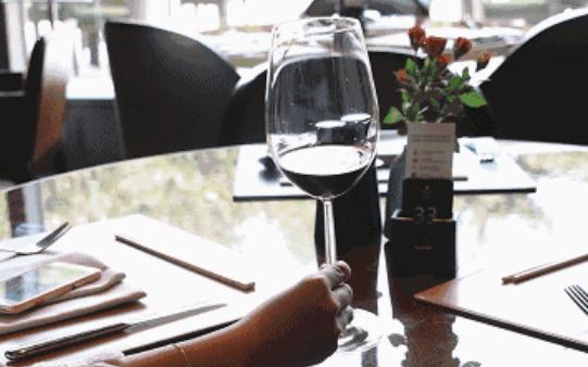 如果葡萄酒会说话,最想对中餐说这几句悄悄话