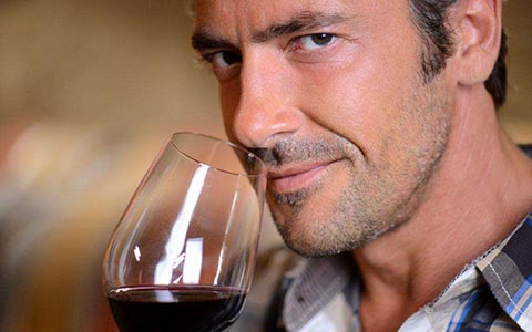 男人喝长城百年干红葡萄酒竟然有这么多好处