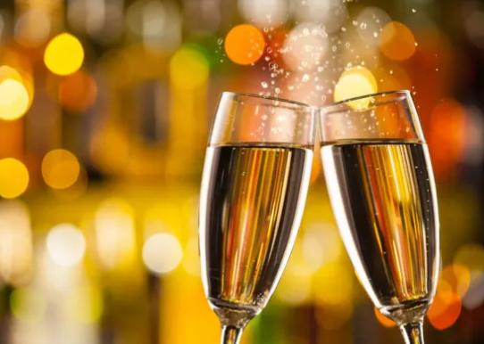 彭佳:香槟:——低调的奢华