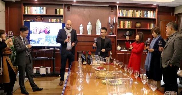 汉龙集团_卡赛欧携手法国茂林庄园举办精品葡萄酒品鉴会_葡萄酒网