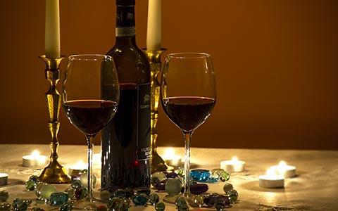 喝龙船七号干红葡萄酒不宜搭配什么食物?
