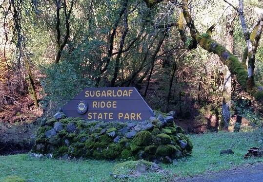 舒格罗夫岭酒庄(Sugarloaf Ridge)