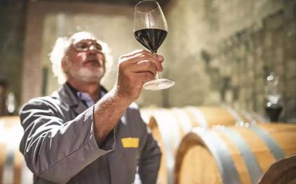 葡萄酒三四线市场的消费者遇到三个不同阶段的问题