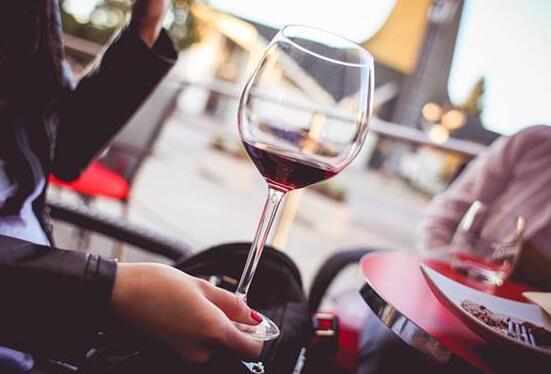 乙肝患者能喝红酒吗?这些理由告诉你