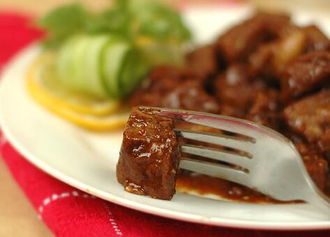 红酒烩鸡做法详解,红酒可以做什么菜?