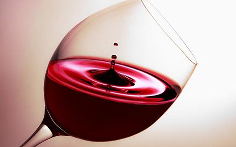 新春美酒推荐——小龙船2009干红葡萄酒