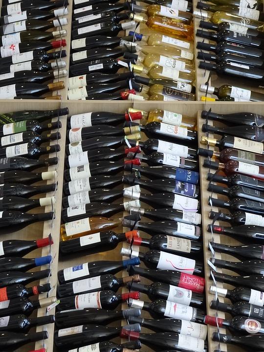 大润发超市涉嫌销售假酒被查封,买名酒请注意购买渠道!