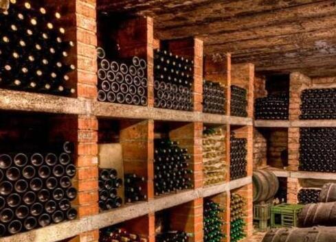只有了解红酒的保存期限,才会懂得珍惜它