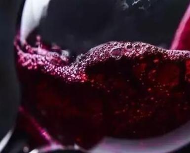 中国葡萄酒产业发展潜力巨大,云南葡萄酒品牌已跻身中国葡萄酒业前五强