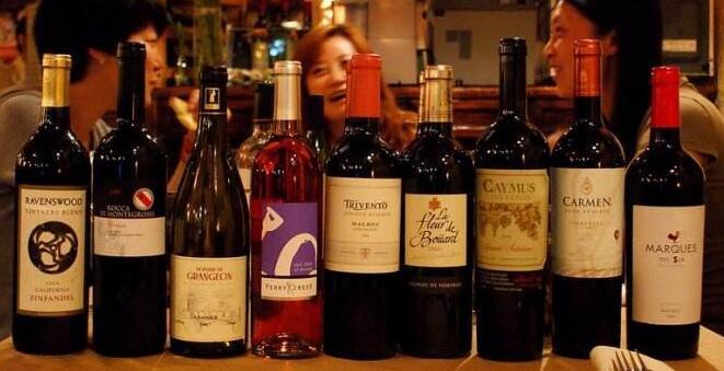 买葡萄酒的时候注意三点就可以避免假酒