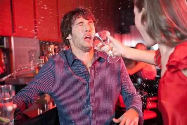 喝了葡萄酒和烈酒之后的不同情绪表现