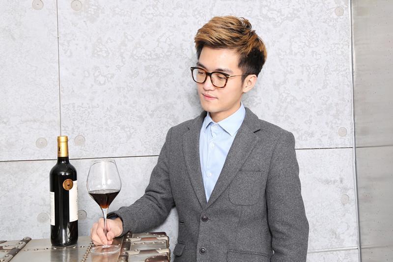 葡萄酒网运营总监、WSET高级品酒师 Season大海专访