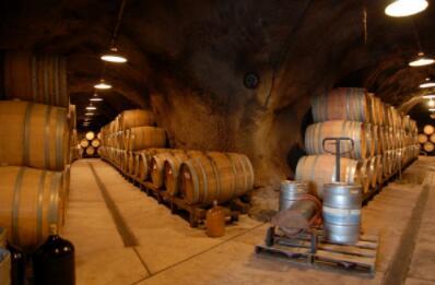 伊甸山酒庄(Mount Eden Vineyards)