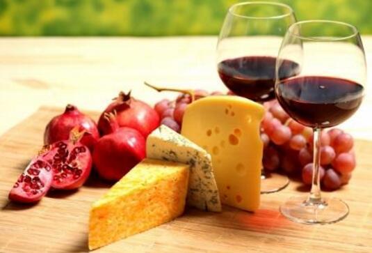 葡萄酒配什么奶酪?教你7个方法