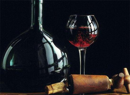 """大脑""""嫌贫爱富"""",贵酒更好喝"""