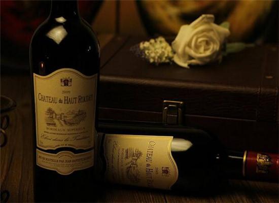 葡萄酒的颜色越深,越有毒性?
