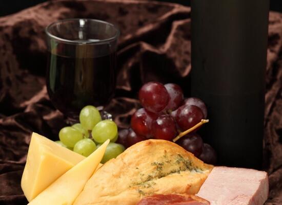 葡萄酒可以放在冰箱吗?
