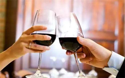 葡萄酒可以和辛辣食物搭配吗?