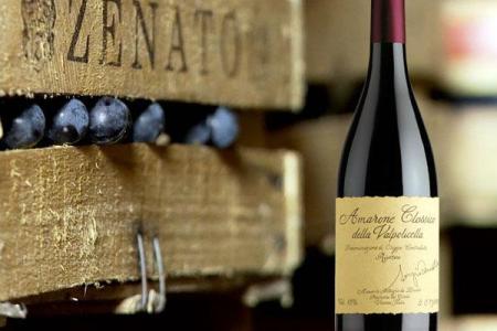 挑选葡萄酒要看两处  不要贪图便宜