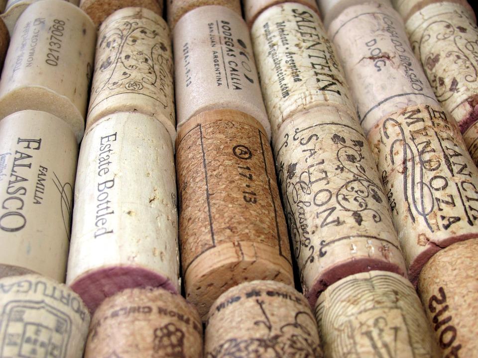 探寻葡萄酒软木塞家族的三六九等