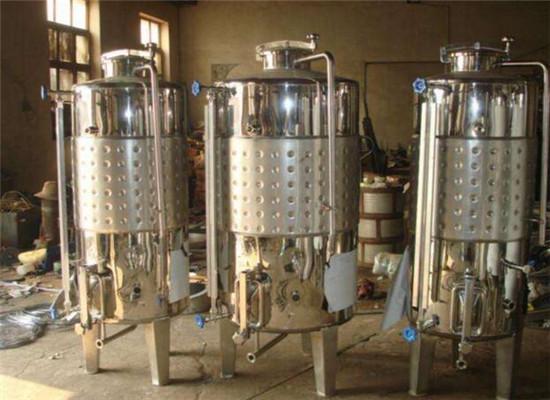 水泥发酵罐在葡萄酒酿造作用