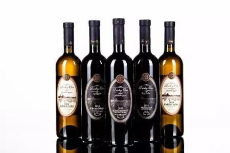 新西兰葡萄酒旅游带你品佳酿赏葡萄酒