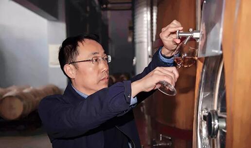君顶酒庄首席酿酒师邵学东:精益求精才能酿造世界美酒