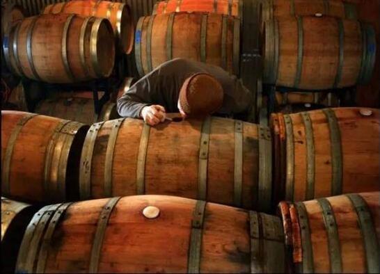 """酿酒工艺之橡木桶的陈酿差异 酒品质""""甜与苦""""的桶味来源"""