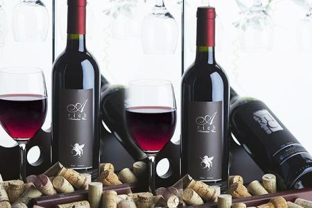 饮用红葡萄酒可预防乳腺癌