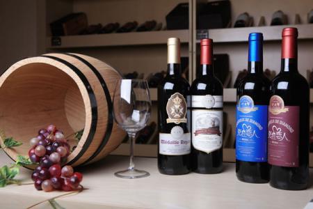 强大型葡萄酒  一款充满男性色彩的酒