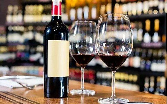 受到新旧葡萄酒的冲击,葡萄酒出现新的消费竞争格局