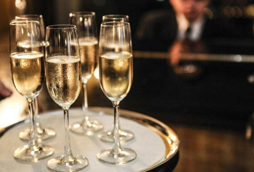 香槟和起泡酒的酿制方法 只有香槟产的才叫香槟