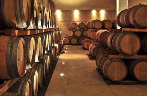 法国橡木桶葡萄酒 走进法国橡木桶生产地
