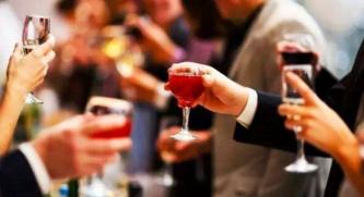 喝酒前吃什么 应酬前吃什么不容易醉
