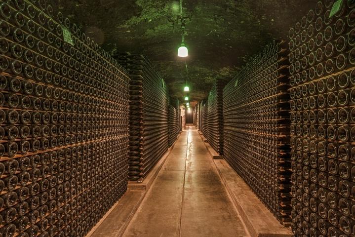 秦皇岛一品红酒业有限公司(Yipinhong Wines)