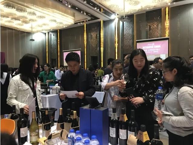 巡展回顾|2018世界美酒中国行,第六站—昆明火爆收官
