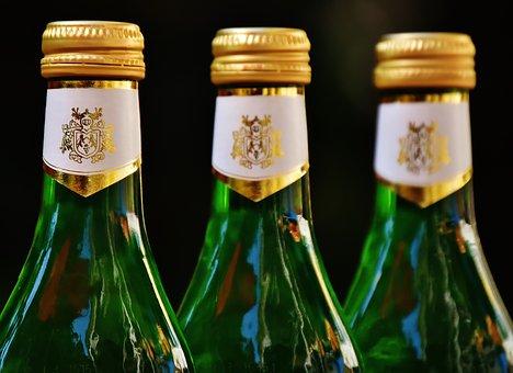 想要派对玩出新意  一瓶酒就可以