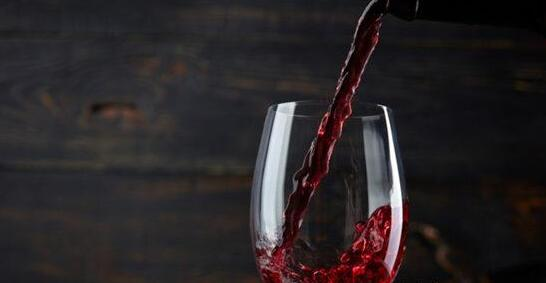 最新研究:红葡萄酒中的单宁成分可以治疗遗传代谢疾病