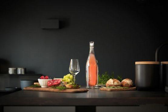 德国某设计公司发明了全球首款双层葡萄酒瓶