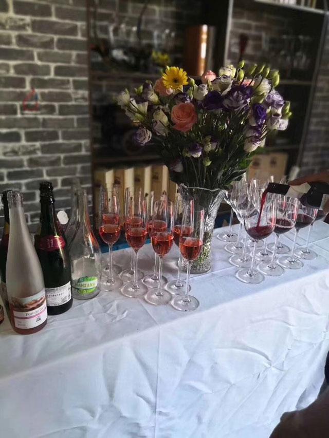 德威堡招商加盟 恭贺(福建厦门)德威堡葡萄酒体验馆盛大开业
